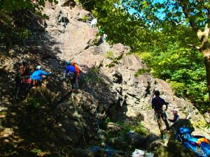 モミソ懸垂岩 訓練風景