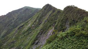 堅炭尾根と一ノ倉岳