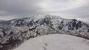 道行山からの荒沢岳