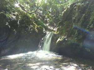 釜のある滝