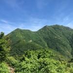 登山道に出る