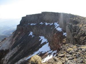 硫黄岳の加工壁
