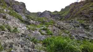V字状岩壁