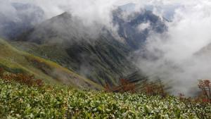 中ノ岳への稜線